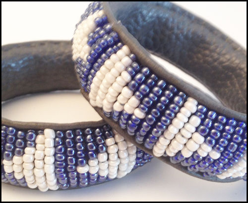 "Bracelet  leather and perls "" Mama Africa"" white and blue"